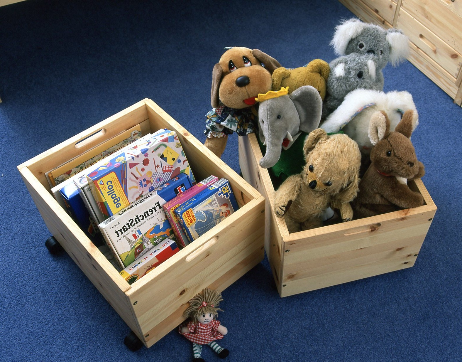 Three Ways To Make Use Of Wooden Toy Boxes - Shelfstore