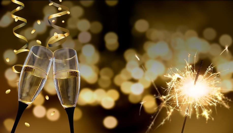 Anstoßen - Neujahr / Silvester / Feier